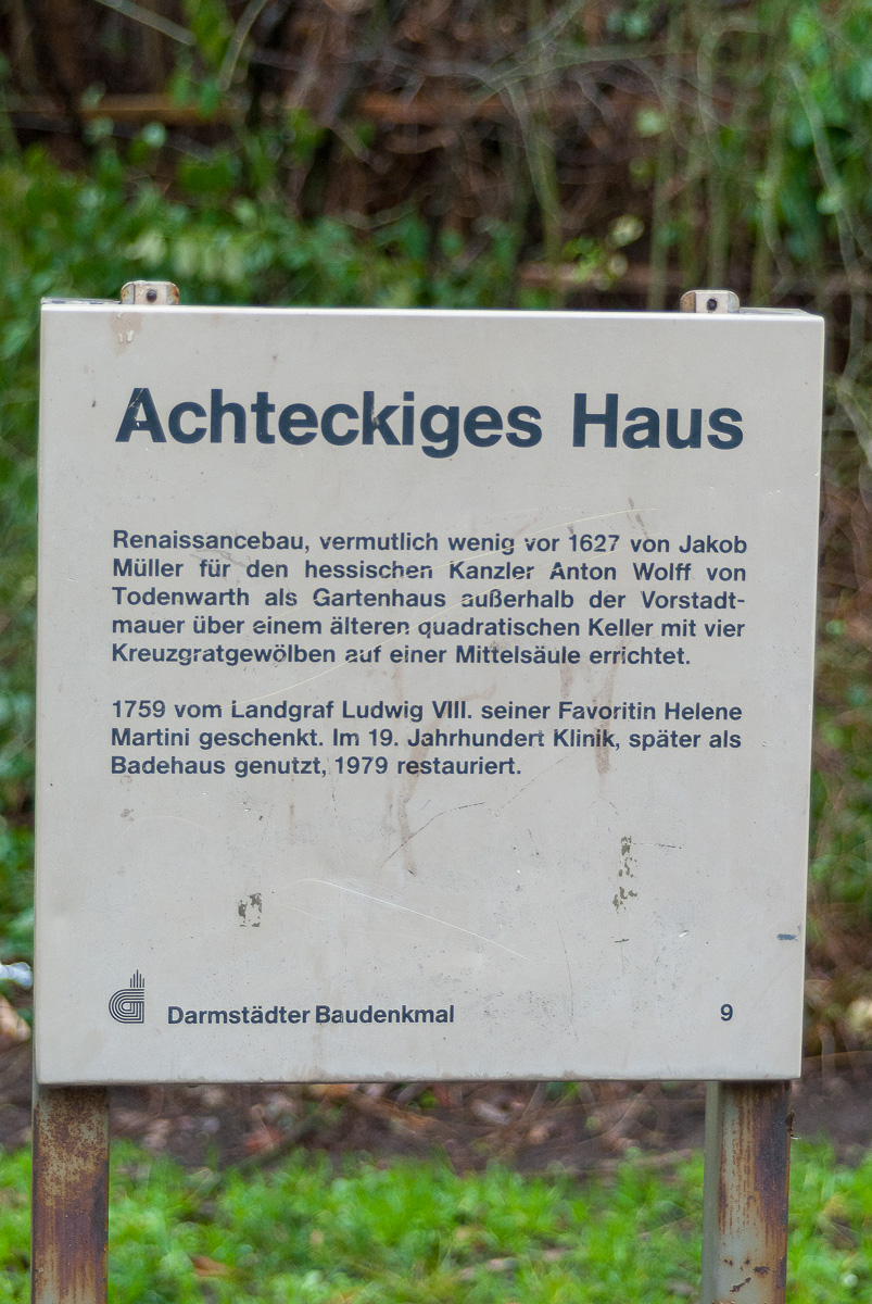 Achteckiges Haus 02